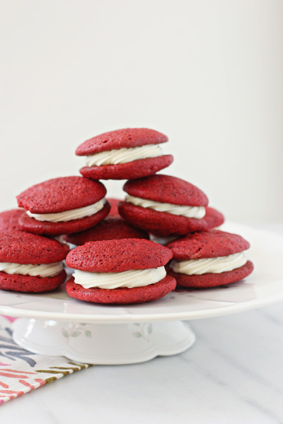 Red Velvet Sandwich Cookies | Cookie Monster Cooking