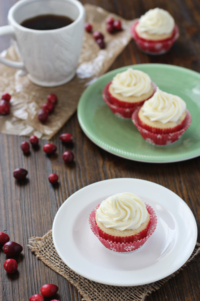 Cranberry Cupcakes with White Chocolate Frosting | Cookie Monster Cooking