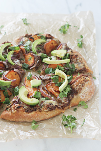 Sweet Potato and Black Bean Pizza | cookiemonstercooking.com