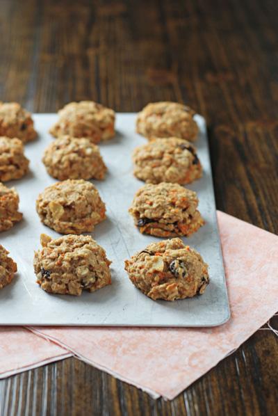 Healthier Carrot Cake Cookies | cookiemonstercooking.com