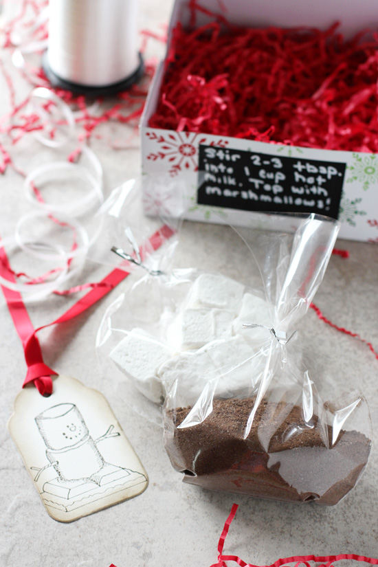Recipe for homemade hot chocolate gift packages! A fun and festive treat to give to friends and family during the holidays!