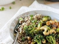 A quick and easy winter vegetable teriyaki stir-fry recipe. Packed with broccoli, brussels sprouts, cashews and a delicious sauce!
