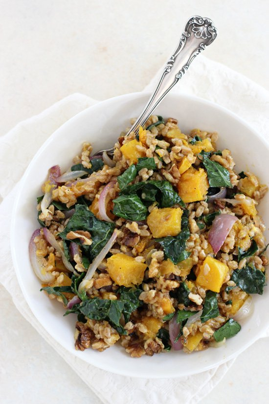 Filled with tender butternut squash, kale and crunchy walnuts, this fall farro salad is perfect for the season! Healthy, simple and an excellent main or side dish!