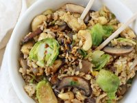 This healthy, easy and fast brussels sprout fried brown rice is hard to resist! Filled with mushrooms, cashews and of course, brussels sprouts!