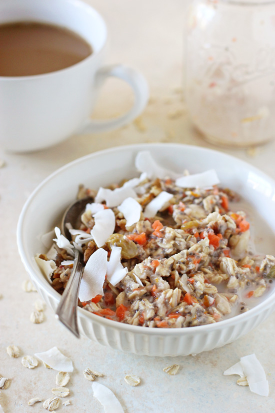 These 15-minute morning glory overnight oats make for a perfect hearty and wholesome breakfast! Packed with coconut, carrot, apple and raisins!