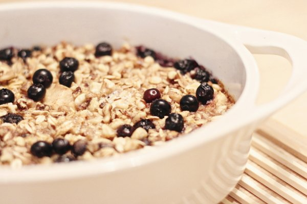 Baked Blueberry and Apple Oatmeal
