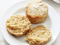 Perfectly soft and tender dairy free biscuits! Made with coconut oil, coconut milk and a touch of honey! Easy, quick and delicious, they are perfect for breakfast or as a side! Vegan option included!
