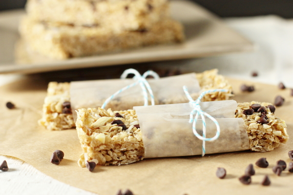Chewy Chocolate, Coconut and Almond Granola Bars