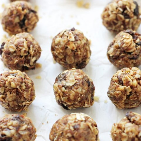 Chewy, wholesome and simple oatmeal raisin energy bites! This no bake snack is packed with healthier ingredients and tastes like an oatmeal raisin cookie! Gluten free and easy to make!