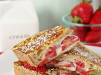 Strawberry hazelnut stuffed french toast