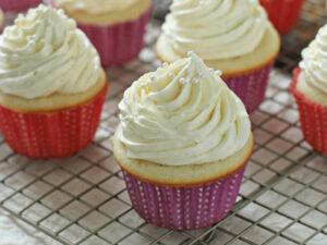 Vanilla Bean Cupcakes | Cookie Monster Cooking