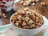 Gingerbread Caramel Corn | Cookie Monster Cooking