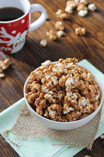 Gingerbread Caramel Corn | Cookie Monster Cooking