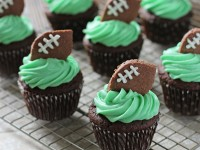 Football Cupcakes | Cookie Monster Cooking