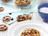 Peanut Butter Chocolate Chip Pretzel Cookies | cookiemonstercooking.com