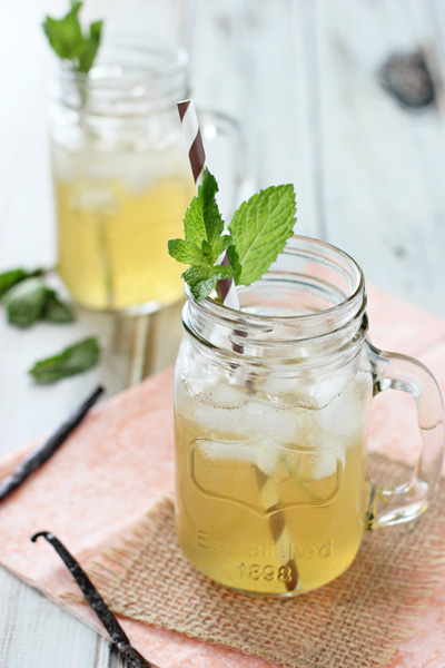 Vanilla Honey Iced Tea Lemonade | cookiemonstercooking.com