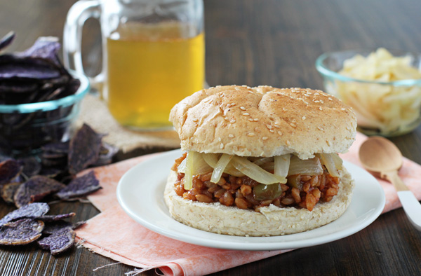Chipotle Peach BBQ Farro Sandwiches | cookiemonstercooking.com