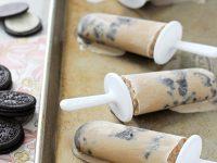 Coffee Coconut Milk Cookies & Cream Popsicles | cookiemonstercooking.com