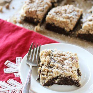 Gingerbread Crumb Cake | cookiemonstercooking.com