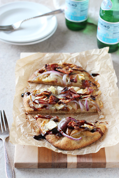 Bacon, Brie and Pear Flatbreads | cookiemonstercooking.com
