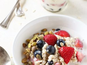 Healthy, filling and portable, these creamy berry vanilla overnight oats are a breakfast staple! Filled with strawberries, blueberries, almond milk and chia seeds!