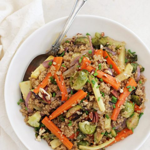 Healthy, flavorful and colorful roasted root vegetable quinoa pilaf! Perfect for Thanksgiving - the whole dish can be made in advance!
