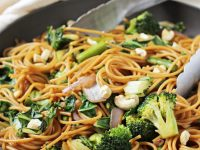 This spring vegetable lo mein is a healthy version of a classic take-out dish! Quick, easy and packed with plenty of green veggies!