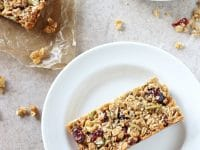 Homemade chewy fruit & nut granola bars! These simple bars are easy to make, perfectly sturdy and delicious! Packed with nuts and seeds!