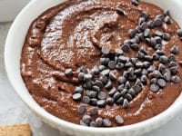 Made with all pantry staples, this 10 minute brownie batter hummus is perfect for satisfying your chocolate cravings without all the guilt! So easy to make and completely irresistible! Gluten free & vegan!